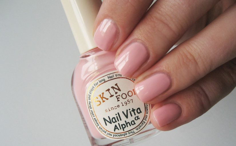 I have tested Korean nail polish Skinfood Nail Vita Alpha #APK10