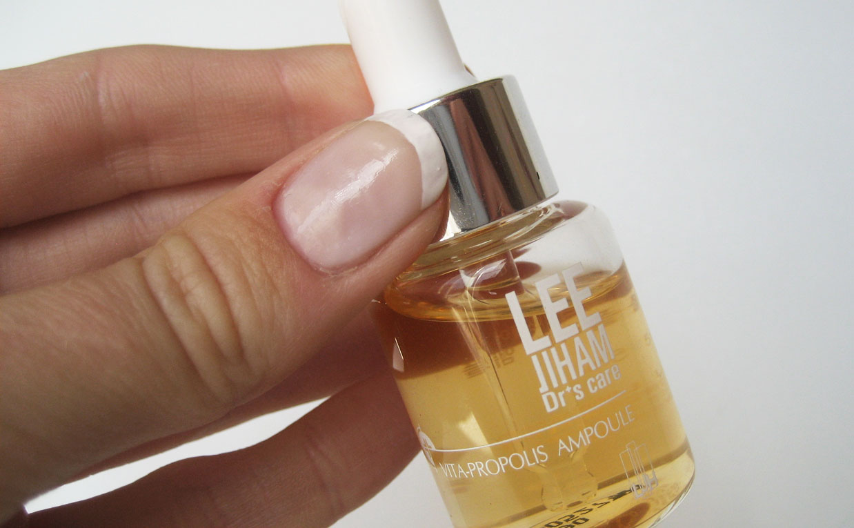 First impression review LJH Lee Jiham Vita propolis ampoule from Korea Korean skin care K-beauty Europe