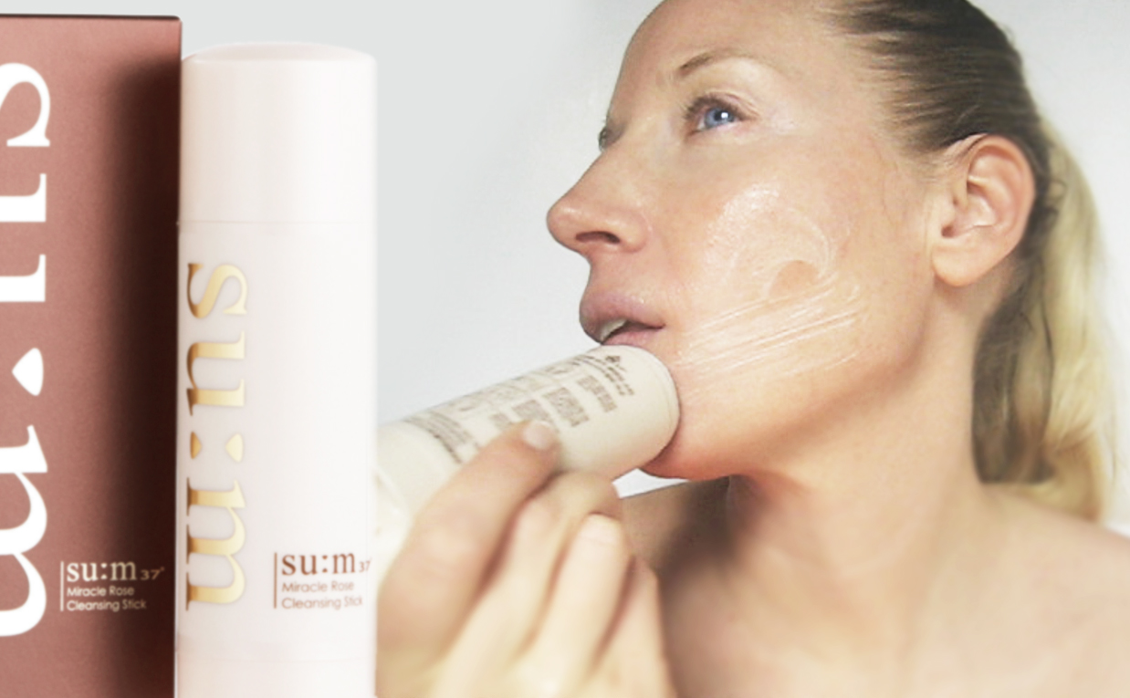First impression review SU:M37 Miracle Rose Cleansing Stick water-based cleanser from Korea Korean skin care K-beauty Blog Europe