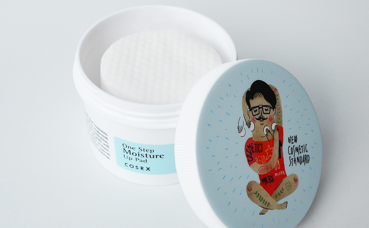 Review Cosrx One Step Moisture Up Pad toner cleanser from Korea Korean skin care K-beauty Blog Europe