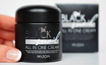 Review Mizon Black Snail All-in-One Cream from Korea wrinkles acne Korean skin care K-beauty Blog Europe