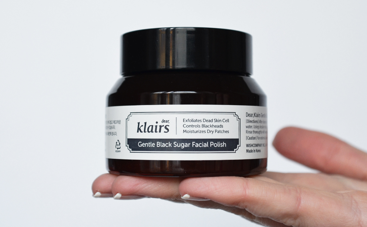 Recension Klairs Gentle Black Sugar Facial Polish ansiktsmask skrubb från Korea Koreansk hudvård K-beauty Blogg Sverige Porer pormaskar blackheads